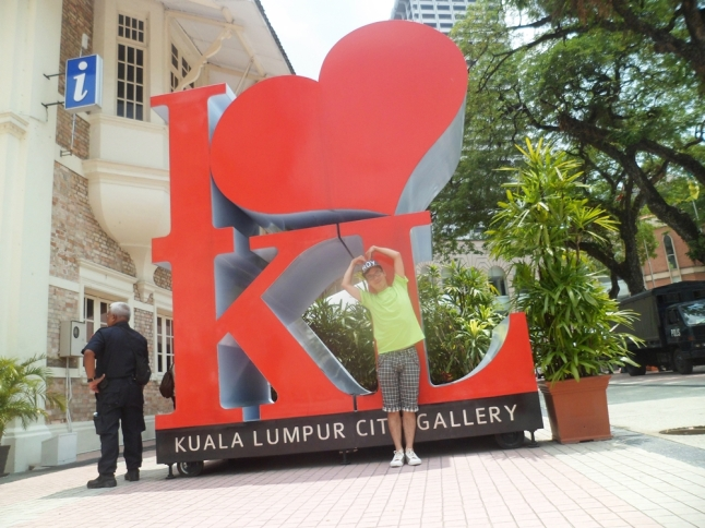 At Kuala Lumpur City Gallery, you can buy many pretty handmade souvenirs here.